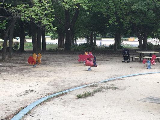 庄内緑地公園_遊具広場_005