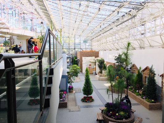都市緑化植物園_緑と花の休憩所_002