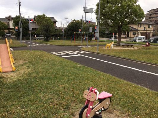 蟹江町交通児童遊園_遊具_001
