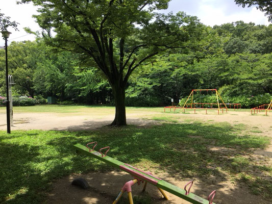 茶屋ヶ坂公園_南側遊具の広場_001