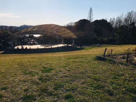 半田運動公園_ピクニック・芝生広場_002