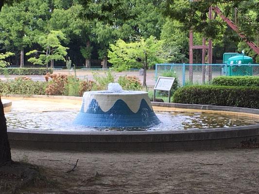 庄内緑地公園_遊具広場の水遊び場