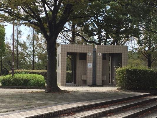 荒子川公園_公園北トイレ
