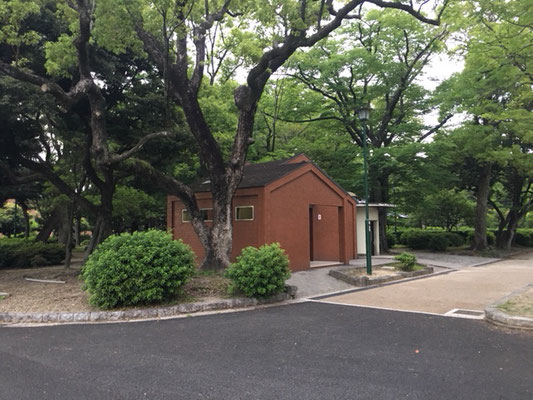 鶴舞公園_トイレ_002
