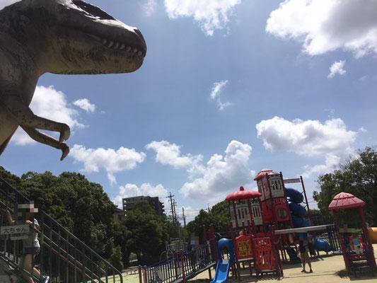 大高緑地_恐竜広場_002