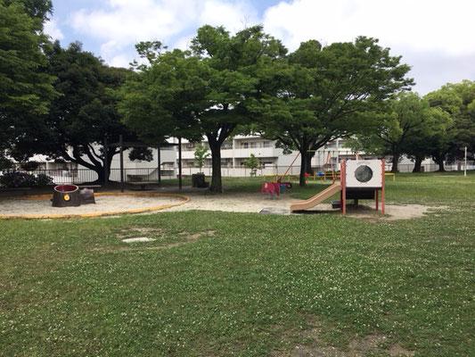 茶屋ヶ坂公園_北側遊具の広場