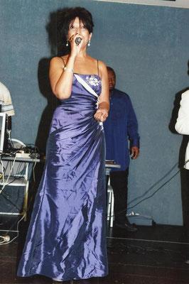 La chanteuse franco-congolaise Lo-Benel