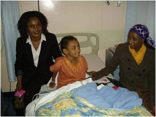 Visite et cadeau à un enfant malade