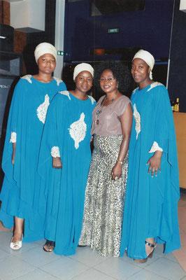 Les anges du Redeje avec la Présidente, Mme MBAKU