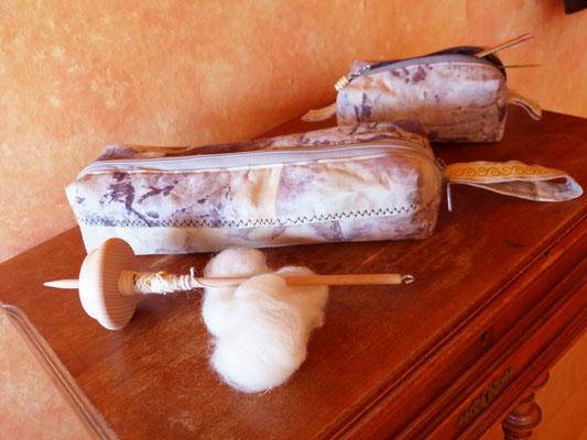 Spindel- und Strickzeugtasche auf Eco-Printstoff