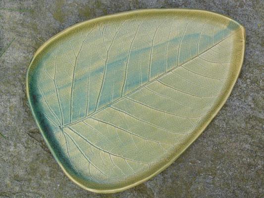 Schale kupfergrün 50cm breit