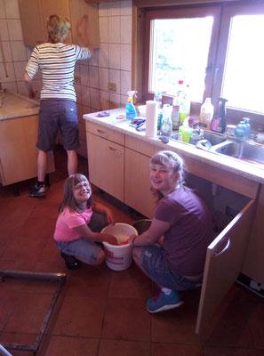 Wir machen die Küche wieder richtig sauber