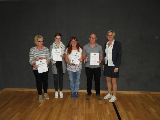 v.l.: Christa Kunz (40 Jahre), Anika Bastian, Sally Wheeldon, Kevin Herr (alle 20 Jahre)
