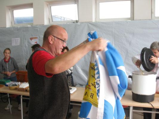 Schnell die Fahne aufhängen