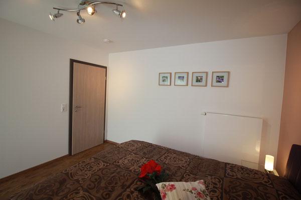 Ganzkörperspiegel großes Doppelbett