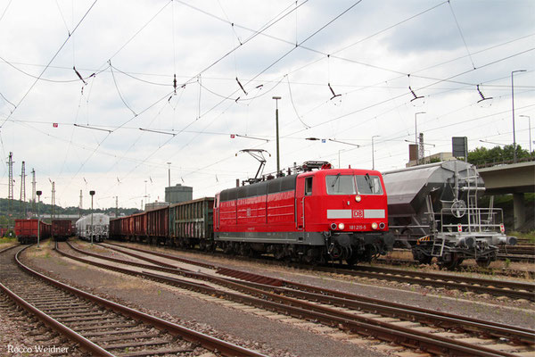 181 215 mit 50928 Völklingen - Neunkirchen(Saar) Hbf (Sdl.Frachten), Völklingen 16.06.2015