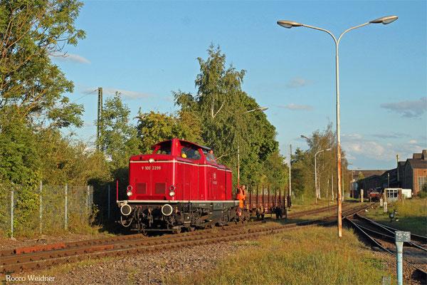 VEB 212 229 rangiert im Stahlwerk Bous am 03.09.3015