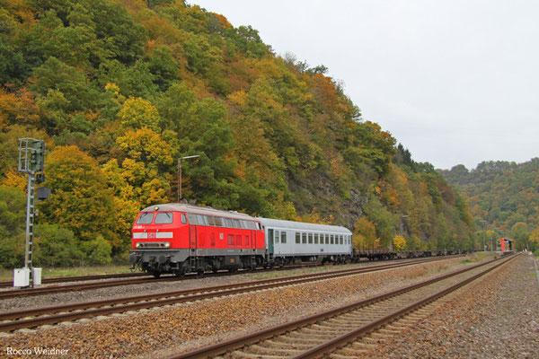 218 005 mit M 62517 Baumholder - Neunkirchen(Saar) Hbf (Sdl. Militärleerwagen), Heimbach(Nahe) 19.10.2015