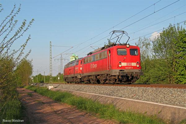 140 327 (im Schlepp 225 021) als XP 49232 Einsiedlerhof - Saarbrücken Rbf Nord, Kindsbach 15.05.2015