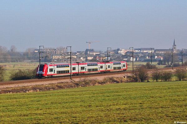 Regionalverkehr aus Luxembourg nach Rodange mit CFL 2212  am 31.01.14