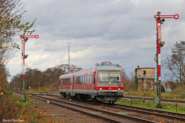 628 693 als RB 28069 Neustadt(Weinstr)Hbf - Karlsruhe Hbf, Winden(Pfalz) 19.11.2015