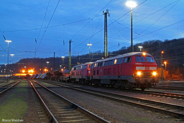 DT 225 073 + 225 802 mit EK 55923 Dillingen Hochofen Hütte - Saarbrücken Rbf Nord, 08.01.2016