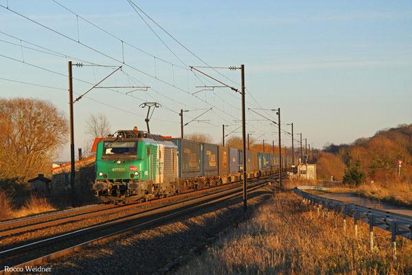 BB37023 mit 40390 (Milano) Bâle - Metz-Sablon (Valenton), Suisse 25.01.2016