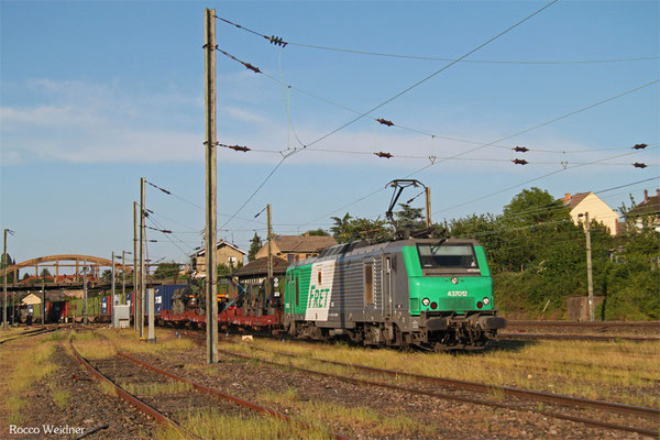 BB37012 mit DGM 44442 (Jankowo Pomorskie/PL) Oderbrücke - Forbach/F (Sdl. Militärgut), Forbach Triage 05.06.2015