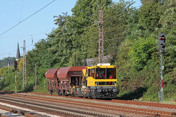 Robel Gleiskraftwagen 54.22 der DB Netzinstandhaltung, Einfahrt Dudweiler aus Richtung Saarbrücken Hbf, 10.09.2015