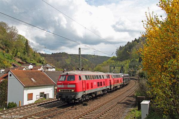 DT 225 805 + 225 021 mit GA 98802 Mannheim-Waldhof Gbf - Saarbrücken Rbf Nord (Gevrey/F) (Sdl.,ex.46386), Weidental 26.04.2015