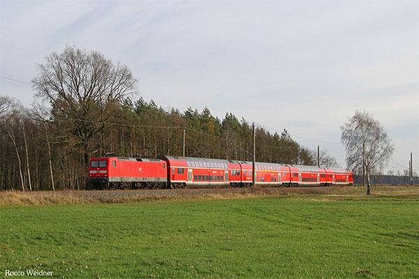 112 120 mit RE 3312 Elsterwerda-Biehla - Stralsund Hbf, Beiersdorf 27.12.2015