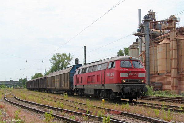 225 021 mit EK 55950 Brebach - Saarbrücken Rbf Ost, Brebach 08.06.2015
