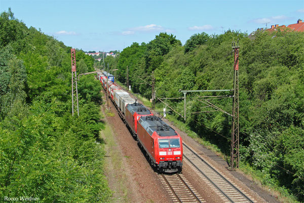 DT 185 010 + 185 150 mit KT 98804 Saarbrücken Rbf Nord - Ludwigshafen BASF Ubf (Sdl.KV, ex 42563), Neunkirchen-Sinnertal 17.06.2015