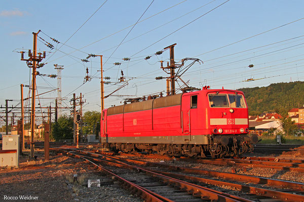 181 204 am 21.05.2015 in Forbach/F (wartet auf Übernahme von 62202 - Wagen aus Kupferverkehr Worblin - Lens))
