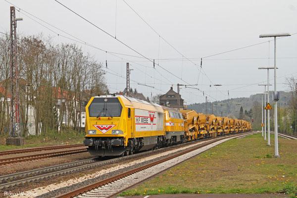 Wiebe 264 011 + 216 032 mit DBV 91992 Sulzbach(Saar) - Saarbrücken Rbf Nord (Sdl. Baustellenlogistik), Dudweiler 17.04.2015