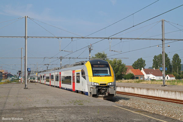 NMBS/SNCB 8581 + 8... als ICT 6602 Brügge - Knokke, 30.08.2015