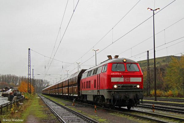225 073 mit GM 62479 Dillingen Hochofen Hütte - Karlsruhe Rheinbrücke Raffinerie (Sdl. leere Fal), Dillingen Hütte 20.11.2015