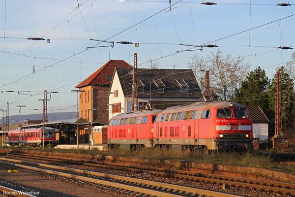DT 225 802 + 225 073 als T 67651 Dillingen(Saar) - Dillingen-Zentralkokerei, 08.01.2016