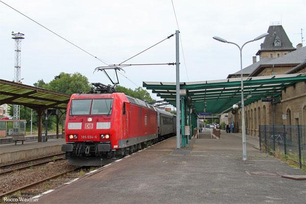 185 034 mit NbZ 91716 Fürstenhausen - Sarregimines/F (Sdl.Spritzzug Firma Lauff), Sarregimines 08.06.2015