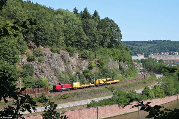 VEB 212 299 mit DGV 25666 Neustadt(W) Hbf - Ehrang (Sdl. Kran + 2 SW), Mettlach 02.08.2015
