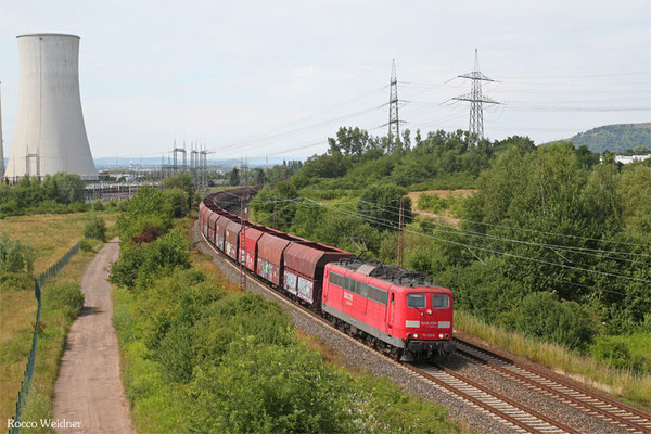 151 108 mit GM 48776 Dillingen Zentralkokerei - Oberhausen West Orm (Umleiter wegen Bauarbeiten Moselstrecke), Ensdorf(Saar) 28.06.2015