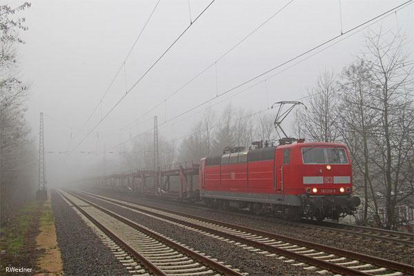 181 218 mit GA 67087 Saarbrücken Rbf Nord - Landsweiler-Reden (Sdl. leere Autowagen , zur Abstellung), Dudweiler 05.01.15