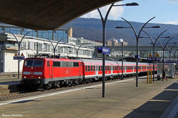 111 097 mit RB 15356  Heidelberg Hbf - Frankfurt/Main Hbf, 25.02.2016