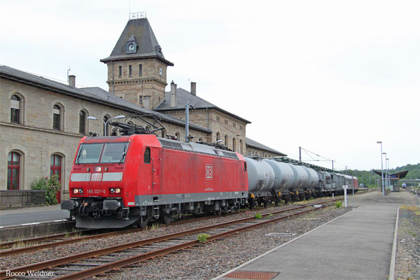 185 027 mit NbZ 91917 Sarregimines/F - Saarbrücken Hbf (Sdl.Spritzzug Firma Lauff)