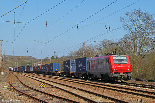 BB37017 (VFLI) mit DGS 42226 Ludwigshafen (Rhein) BASF Ubf nach Lyon-Guillotiere/F (Umleiter), Sulzbach(Saar) 09.04.2015