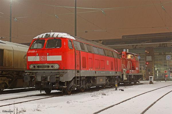218 005 und 363 240 am 31.01.2015 in Saarbrücken