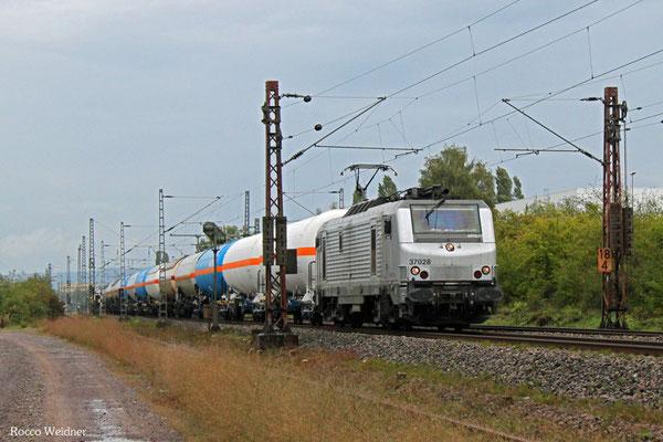 BB37028 mit DGS 90994 (Grandpuits/F) Apach/F - Passau Grenze (Linz/A) (Sdl.), Ensdorf 16.09.2015