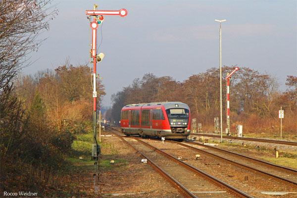 642 073 als RB 28089 Neustadt(Weinstr)Hbf - Karlsruhe Hbf, Winden(Pfalz) 14.12.2015