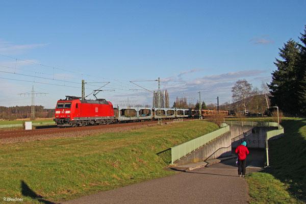 185 118 mit GA 48686 (Carimate/I) Basel SBB Rb/CH - Dillingen DB/Ford (Sdl.leere Laes), Vogelbach 13.01.15