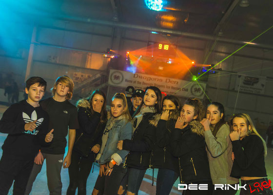 Dee Rink Live - Aura Wales